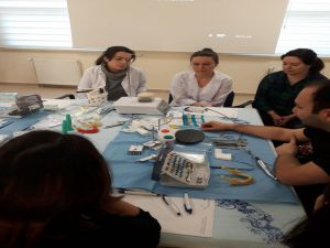 Diş Hekimlerine İmplant Eğitimi