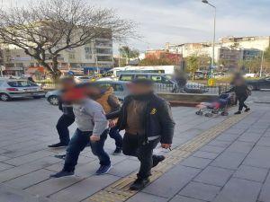 Kuşadası'nda Mobeseye Takılan Hırsızlık Zanlıları Yakalandı