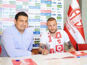 Aydın Karabulut resmen Antalyaspor'da