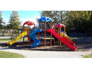 Kemer'de parklar yenileniyor