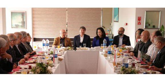 Başkan Türel, Dostlar Meclisi'nin konuğu oldu
