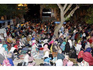 Tarihi camide Kadir Gecesi yoğunluğu