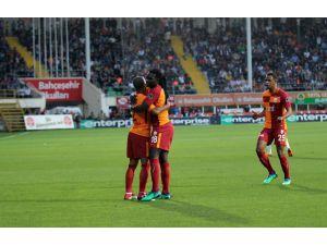Spor Toto Süper Lig: Aytemiz Alanyaspor: 1 - Galatasaray: 2 (Maç devam ediyor)