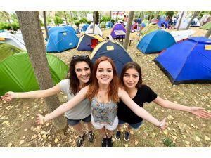 İzmir'de renkli festivaller başlıyor