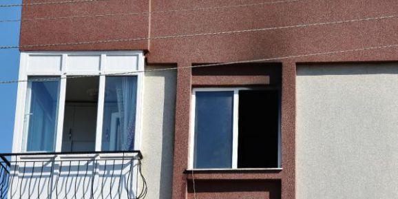 Kız arkadaşına kızdı evi yaktı