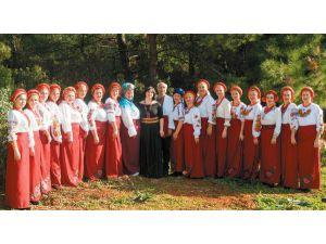 Ukraynalı kadınlar Ramazan şenliklerinde