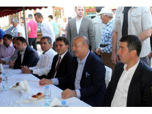 Çavuşoğlu: İnşallah bu Ramazan Bayramı sorunların çözümüne vesile olur