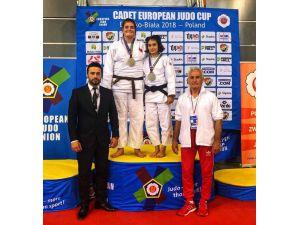 Salihlili judocu Polonya'dan gümüş madalya ile döndü