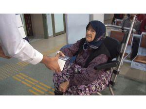 Arnavutköy'de hastanede bekleyen hasta yakınlarına iftariyelik hizmeti