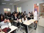 Bin 500 öğrenciye ücretsiz üniversiteye hazırlık kursu