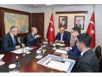 """Vali Demirtaş: """"Adana'da Önemli Projelere İmza Atıyoruz"""""""