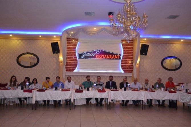 Başkan Samanlı basın mensuplarına iftar verdi