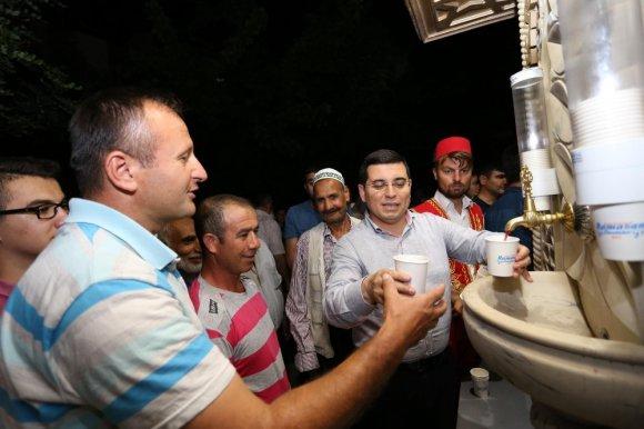Kepez'den 33 Bin Kişiye Şerbet İkramı
