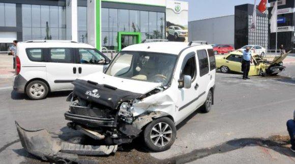 Antalya'da kaza: 4 yaralı