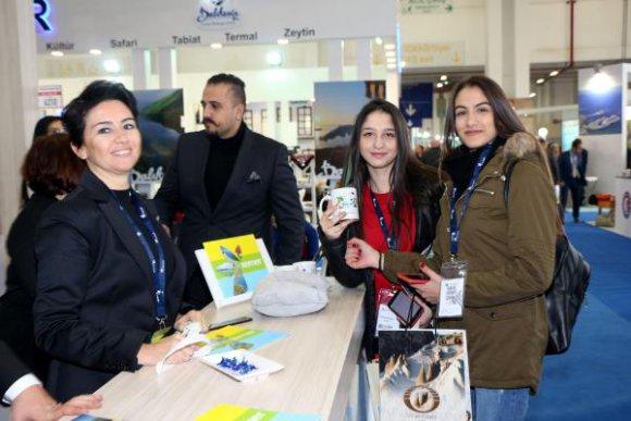 İzmir Fuarı'nda Kemer standına ilgi