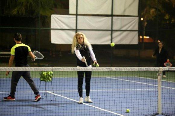 Kepezliler tenis öğreniyor