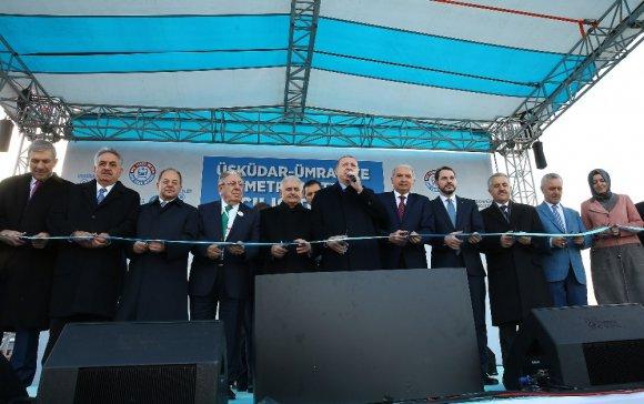 Türkiye'nin sürücüsüz ilk metro hattını Cumhurbaşkanı Erdoğan test etti