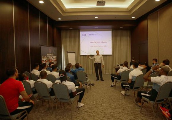Trabzonspor'da Video Yardımcı Hakem toplantısı