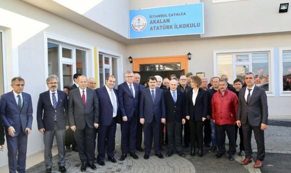 Vali Şahin, Başkan Hasan Akgün tarafından yaptırılan okulu gezdi