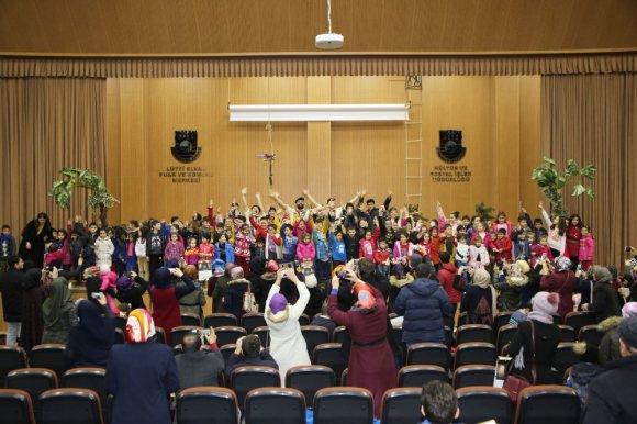 Karaman'da Çocuklar İçin Tiyatro Etkinliği Düzenlendi