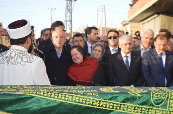 Miroğlu'nun Cenazesinde Gözyaşları Sel Oldu