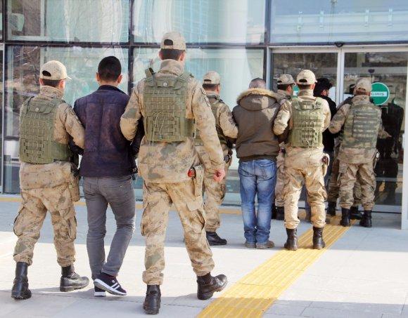 Elazığ'da Örgüt Propagandası Yapan 3 Şüpheli Yakalandı