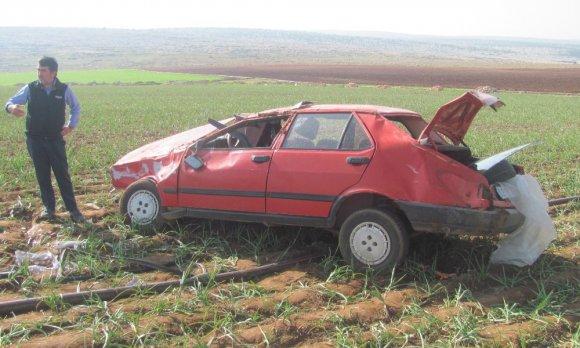 Yoldan Çıkan Otomobil Sarımsak Tarlasına Girdi: 1 Ölü, 2 Yaralı