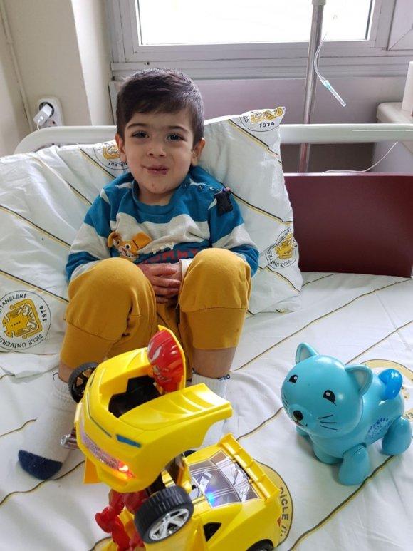 İzmir'den Diyarbakır'a Ameliyat Olmaya Geldi