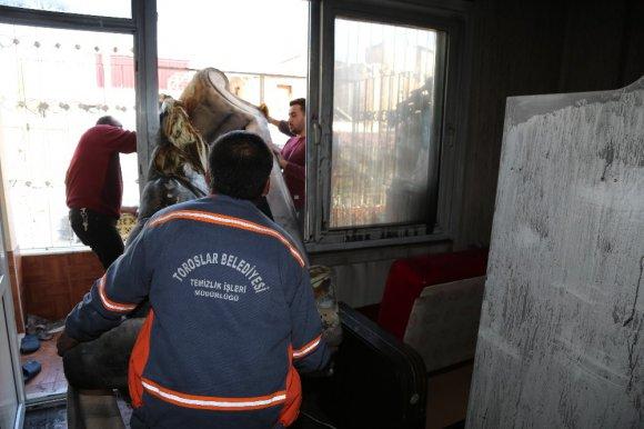 Toroslar'da Evi Yanan İki Aileye Yardım Eli