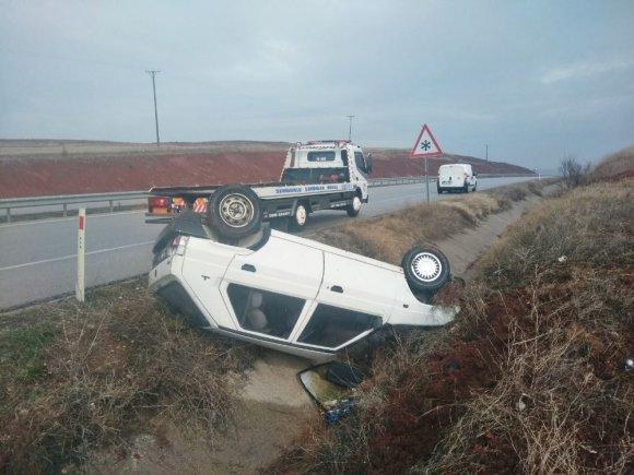 Otomobil Şarampole Yuvarlandı: 6 Yaralı