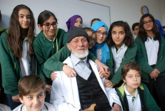 97 Yaşında 'Öğretmenlik' Yapma Heyecanı Yaşadı