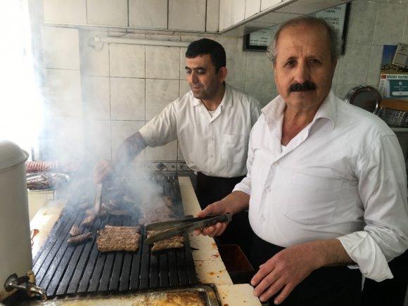 İzmir'den Amerika'ya Kargoyla Pişmiş Köfte Gönderiyor