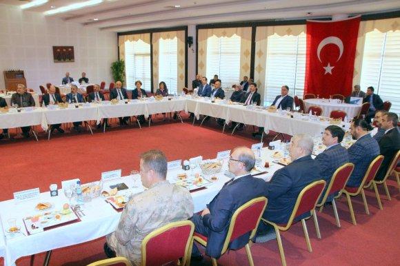 Rektörler Zeytin Dalı Harekatına Destek İçin Üniversitede