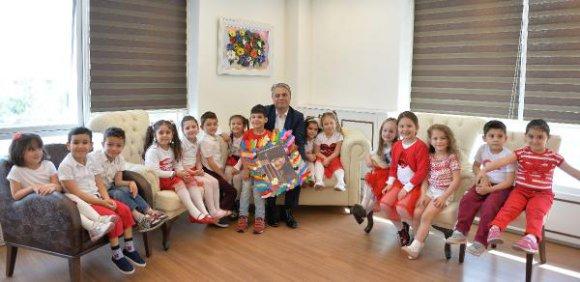 Başkan Uysal'a çocuklardan teşekkür