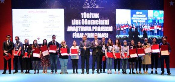 Liseliler ödüllendirildi