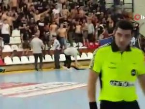 Yunanistan'dan Türk sporculara utandıran hareketler