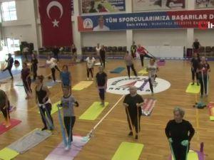 Antalyada öğretmenler sporda ter döktü