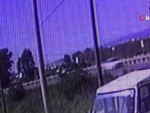 Devrilen araç çelik bariyerlere çarparak durabildi  2 yaralı