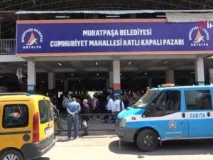 Antalya'da pazarlarda vatandaşları tedirgin eden yoğunluk