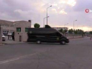 Antalya'da uyuşturucu tacirlerine özel harekatlı baskın: 16 gözaltı
