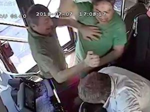 Otobüs şoförüyle kavga eden yolcu gözaltına alındı