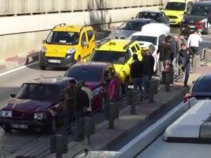 Antalya'da 7 aracın karıştığı zincirleme kaza: 2 yaralı