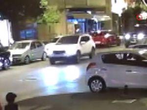 Motosiklete çarpan vicdansız sürücü yaralıyı bırakıp kaçtı