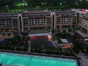 Antalya'da paha biçilemeyen Hint düğünü başladı