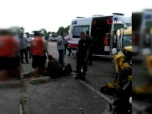 Antalya'da taksi ile otomobil çarpıştı: 4 yaralı
